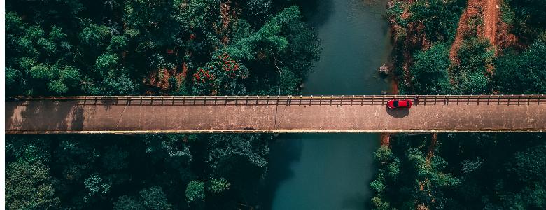 silta joen yli